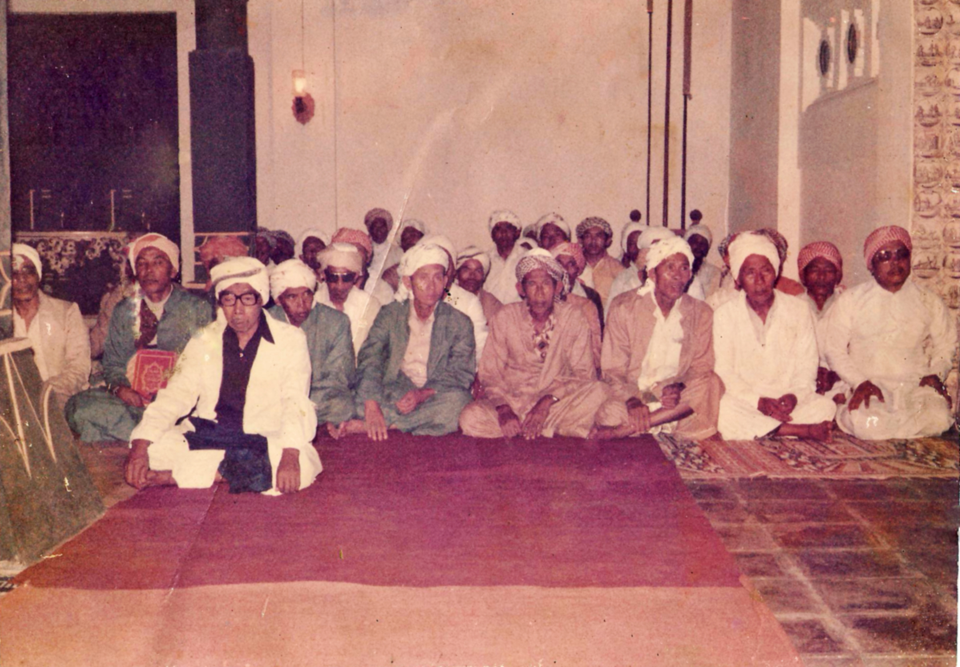 kaum dkm masjid agung sang cipta rasa cirebon 1980 an